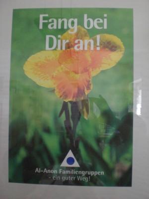 """Foto: Blume mit dem Slogan """"Fang bei Dir an!"""""""