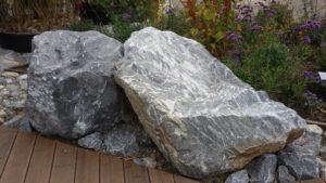 Foto von zwei marmorierten Steinen