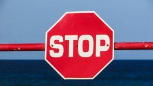 Foto eines Stoppschilds
